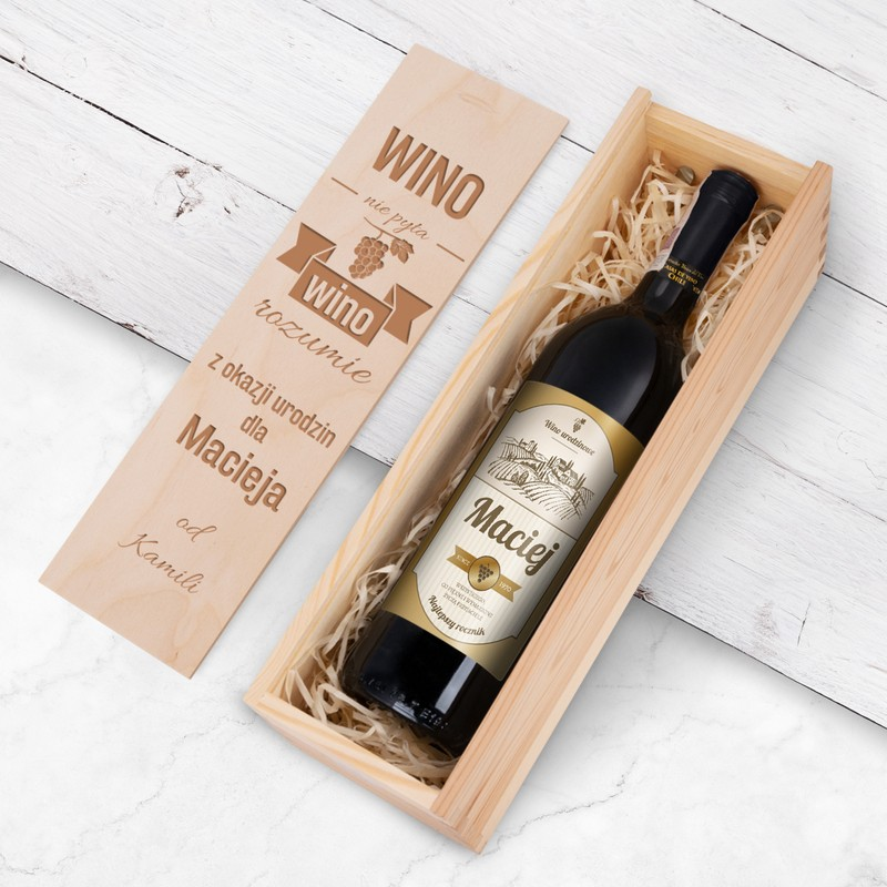 Wino na urodziny El Sol Chile z personalizowaną etykietą  / Najlepszy Rocznik / drewniana skrzynka z Nadrukiem / półwytrawne / 750 ml